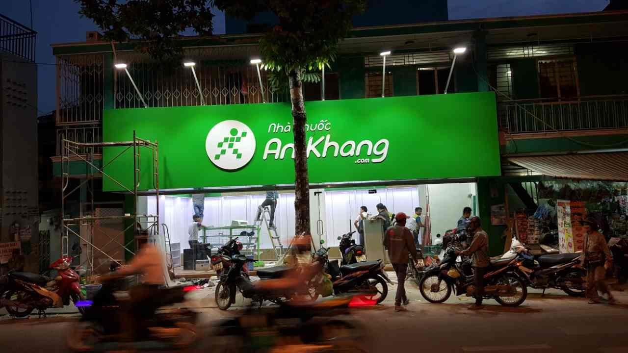 Ứng dụng mặt dựng alu làm biển quảng cáo nhà thuốc An Khang