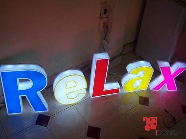 chu-noi-mica-den-led-relax
