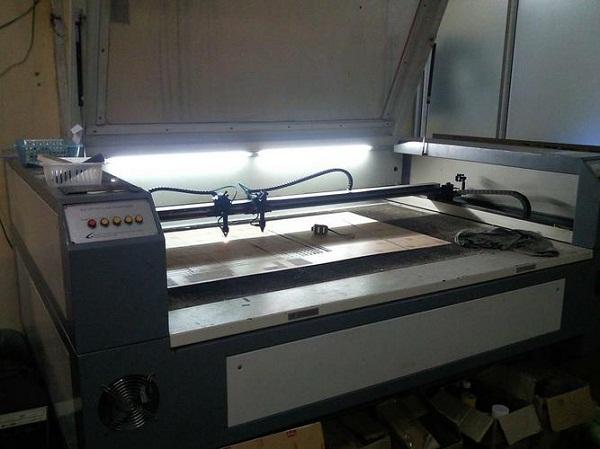 Công nghệ hiện đại từ máy cắt khắc laser trong sản xuất công nghiệp 1