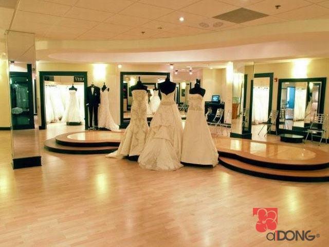 Trang trí showroom đồ cưới